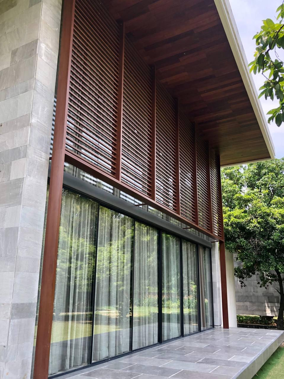 Facade- Aluminium screen- Chhatarpur farmhouse 3 (2)